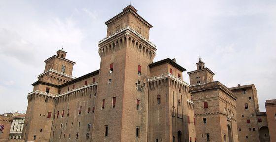 il castello estense a Ferrara