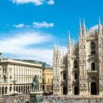 Vista del Duomo di Milano e della piazza