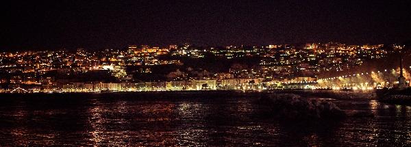 panorama notturno napoli